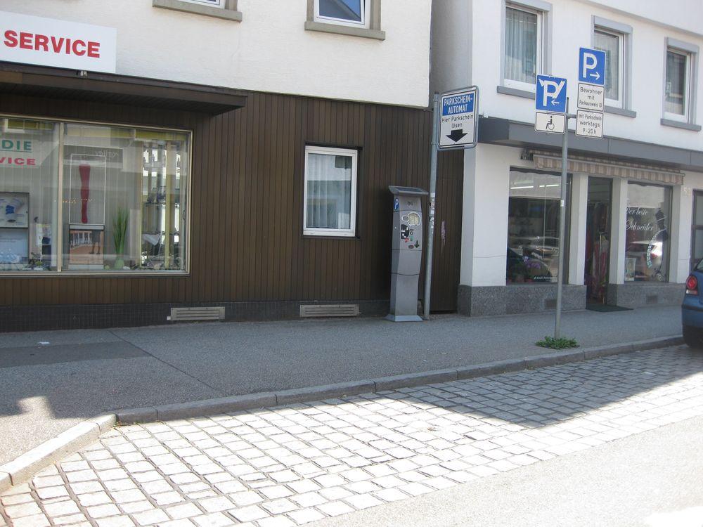 1 Behindertenparkplatz in der Metzgerstraße 51