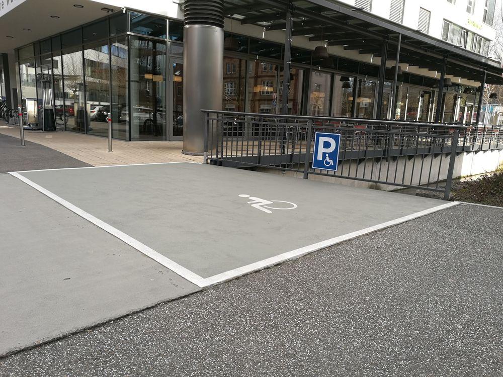 1 Behindertenparkplatz im Obere Wässere