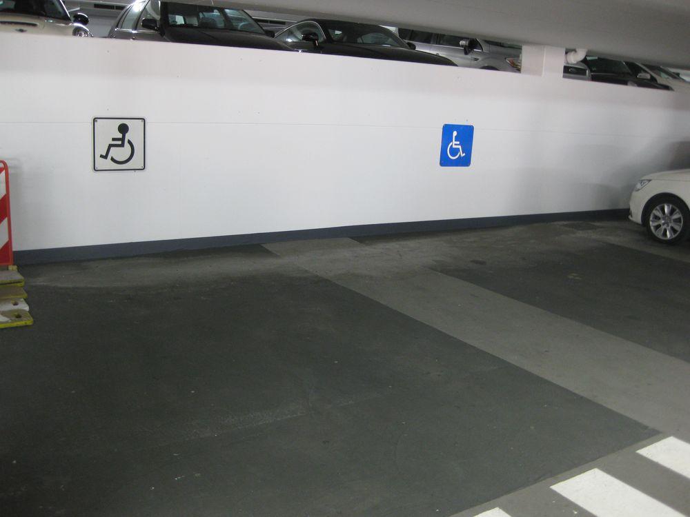 2 Behindertenparkplätze im Parkhaus Stadtmitte