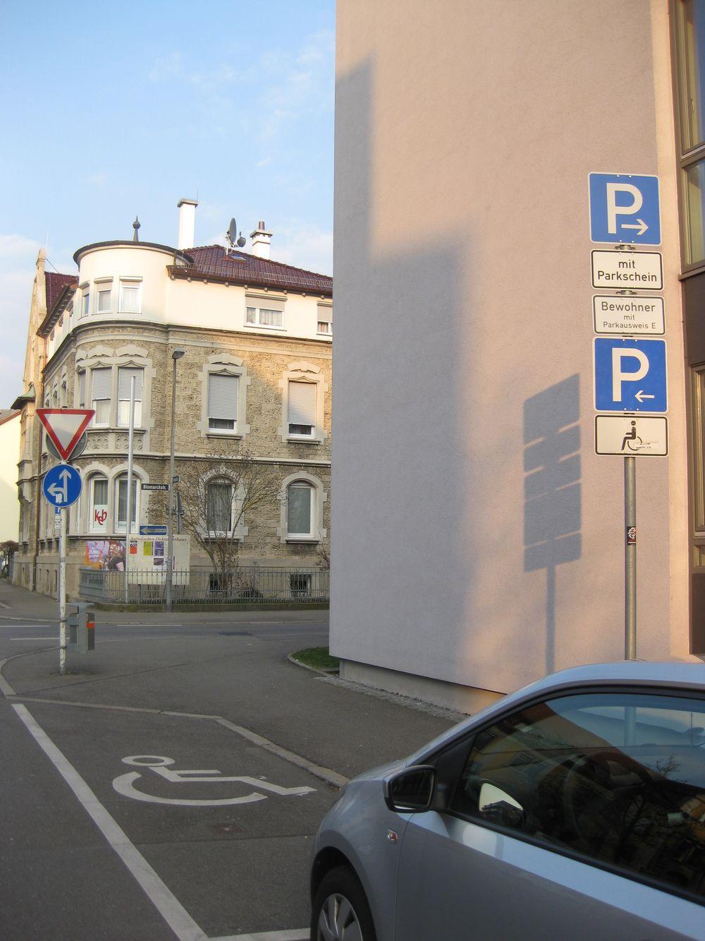 1 Behindertenstellplatz in der Schulstraße