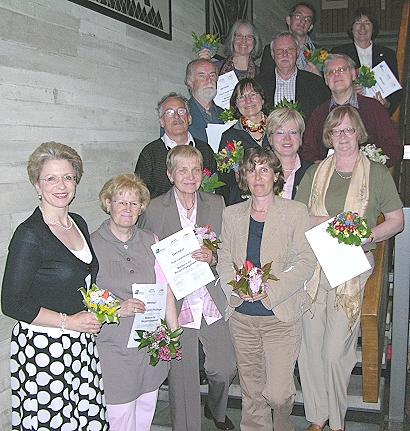 Diese Ehrenamtlichen haben sich durch einen Mentorenkurs in 40 Unterrichtsstunden von November 2007 bis April 2008 zu Mentorinnen und Mentoren qualifiziert