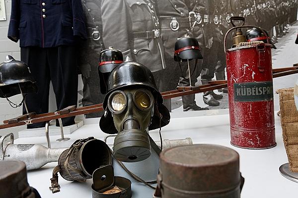 Atemschutzmaske des Luftschutzdienstes