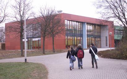 Das neue Gesicht der Schule: Mensa und Studienzentrum