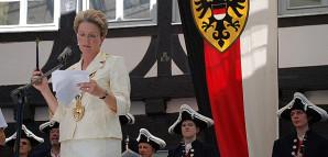 Oberbürgermeisterin Barbara Bosch hält die Schwörtagsrede