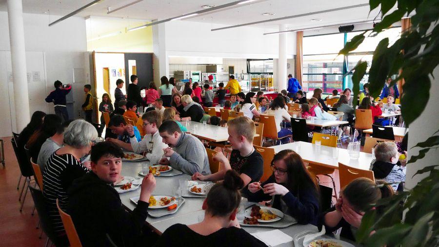 Mittagessen in der Mensa