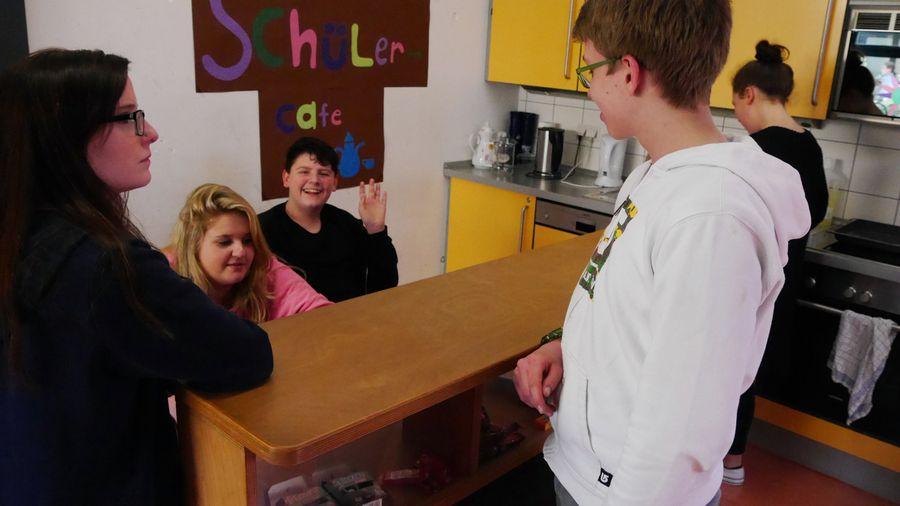 Schülercaféangebot während der Mittagspause