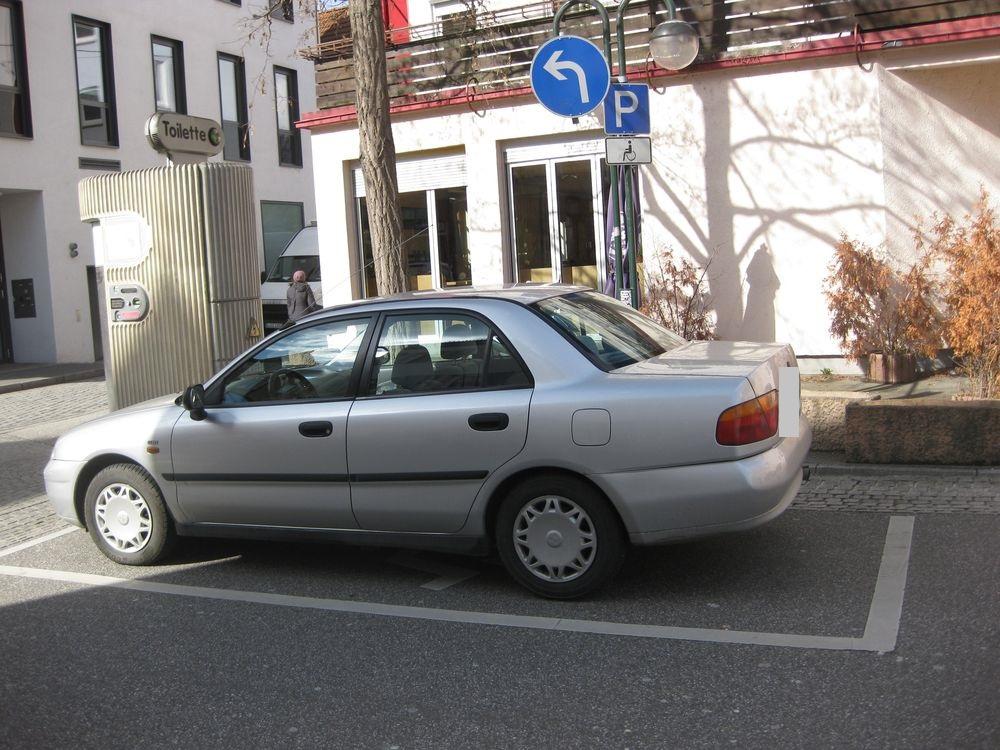 1 Behindertenparkplatz in der Bollwerkstraße