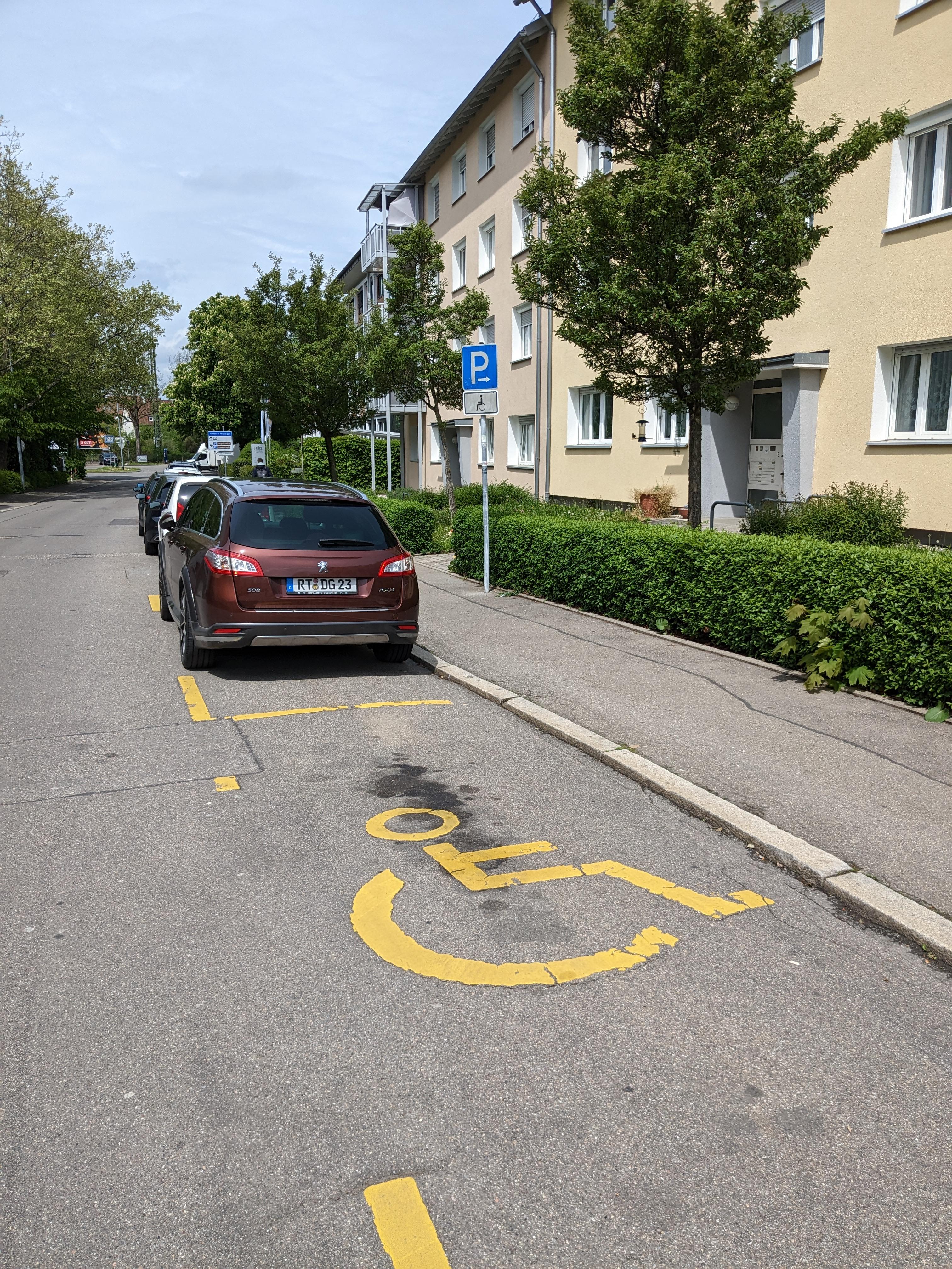 2 Behindertenparkplätze in der Bismarckstraße