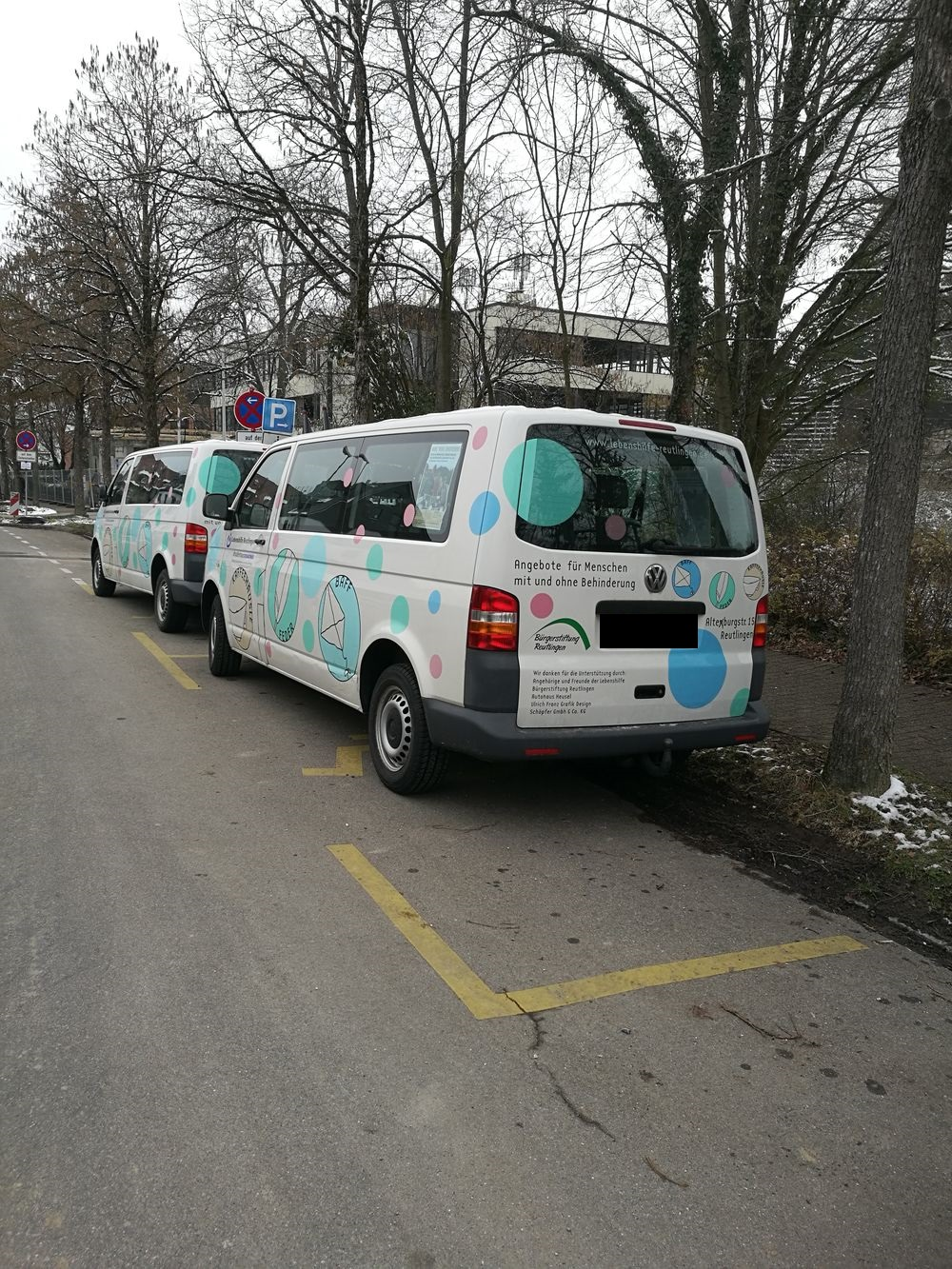 2 Behindertenparkplätze in der Hindenburgstraße 54