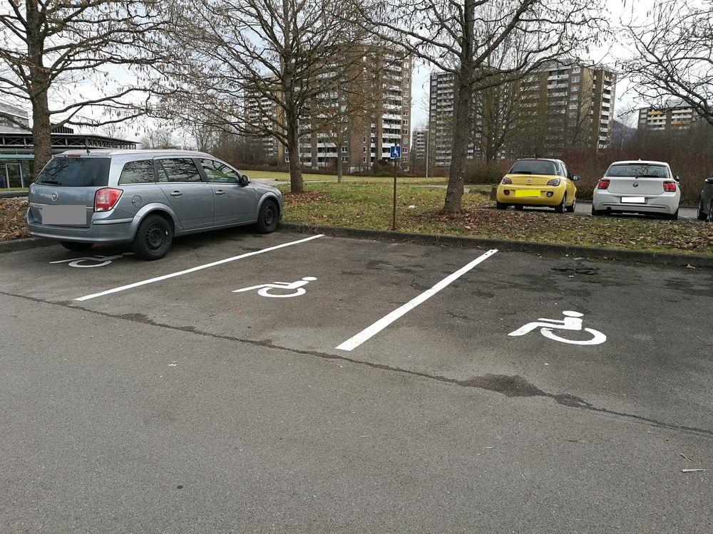3 Behindertenparkplätze an den Hochschulen