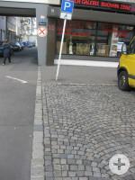1 Behindertenparkplatz in der Kaiserstraße 15