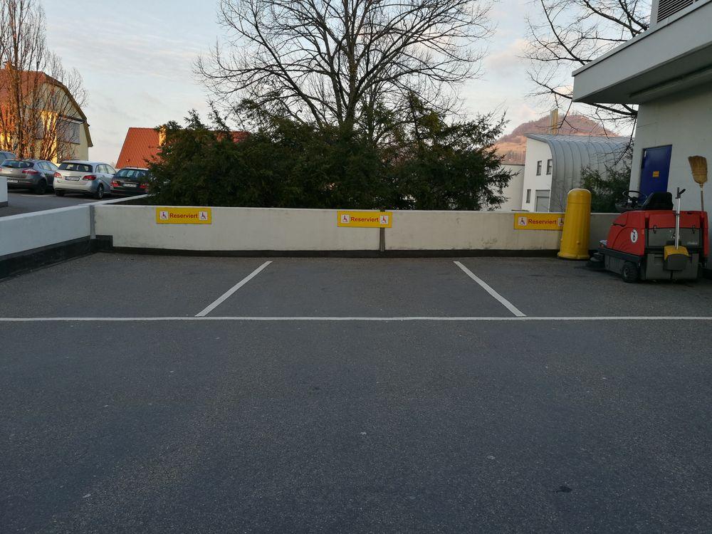 3 Behindertenparkplätze im Parkhaus Klinikum I