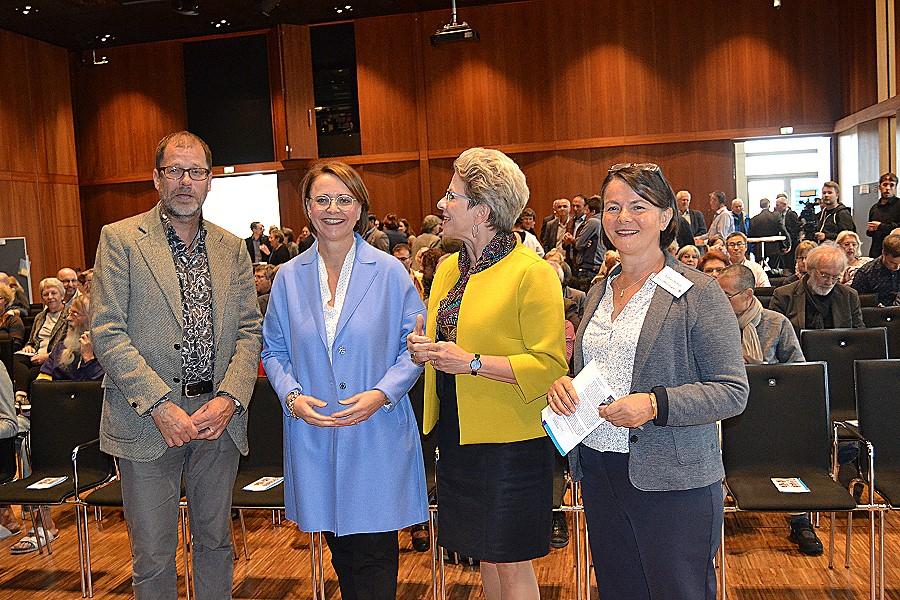 Freuten sich über das rege Interesse: Dr. Jens Schneider, Staatsministerin Annette Widmann-Mauz, Oberbürgermeisterin Barbara Bosch und Sultan Braun, Leiterin des Amts für Integration und Gleichstellung (von links)