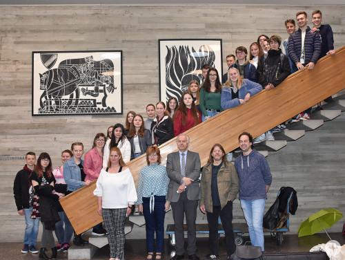 Kulturamtsleiter Dr. Ströbele, Schüler des Varga-Katalin-Gymnasiums (Ungarn), Austauschspartner des Albert-Einstein-Gymnasiums und Lehrkräfte