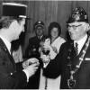 Kommandant Claude Carbonell und OB Oskar Kalbfell stoßen auf die Feuerwehrpartnerschaft an