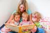 Pflegenestmutter Kerstin Hladnik und ihre Schützlinge