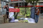 Günter Neuhäuser und Katrin Korth vom Amt für Grünflächen, Umwelt und Verkehr und Katrin Rochner von Geschäftsstelle des Biosphärengebiets