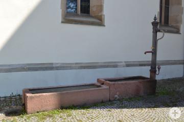 Brunnen Bei der Kirche