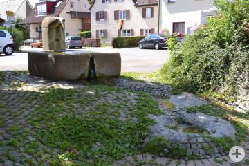 Dorfbrunnen Dorfplatz