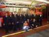 Das Bild zeigt die geehrten und beförderten Feuerwehrkameraden zusammen mit Bezirksbürgermeister Thomas Keck (1. v. re.), Feuerwehrkommandant Harald Herrmann (2. v. re.) und Abteilungskommandant Thomas Hirrlinger (1. v. li.).