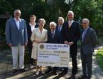 Scheckübergabe an die Oskar-Kalbfell-Stiftung