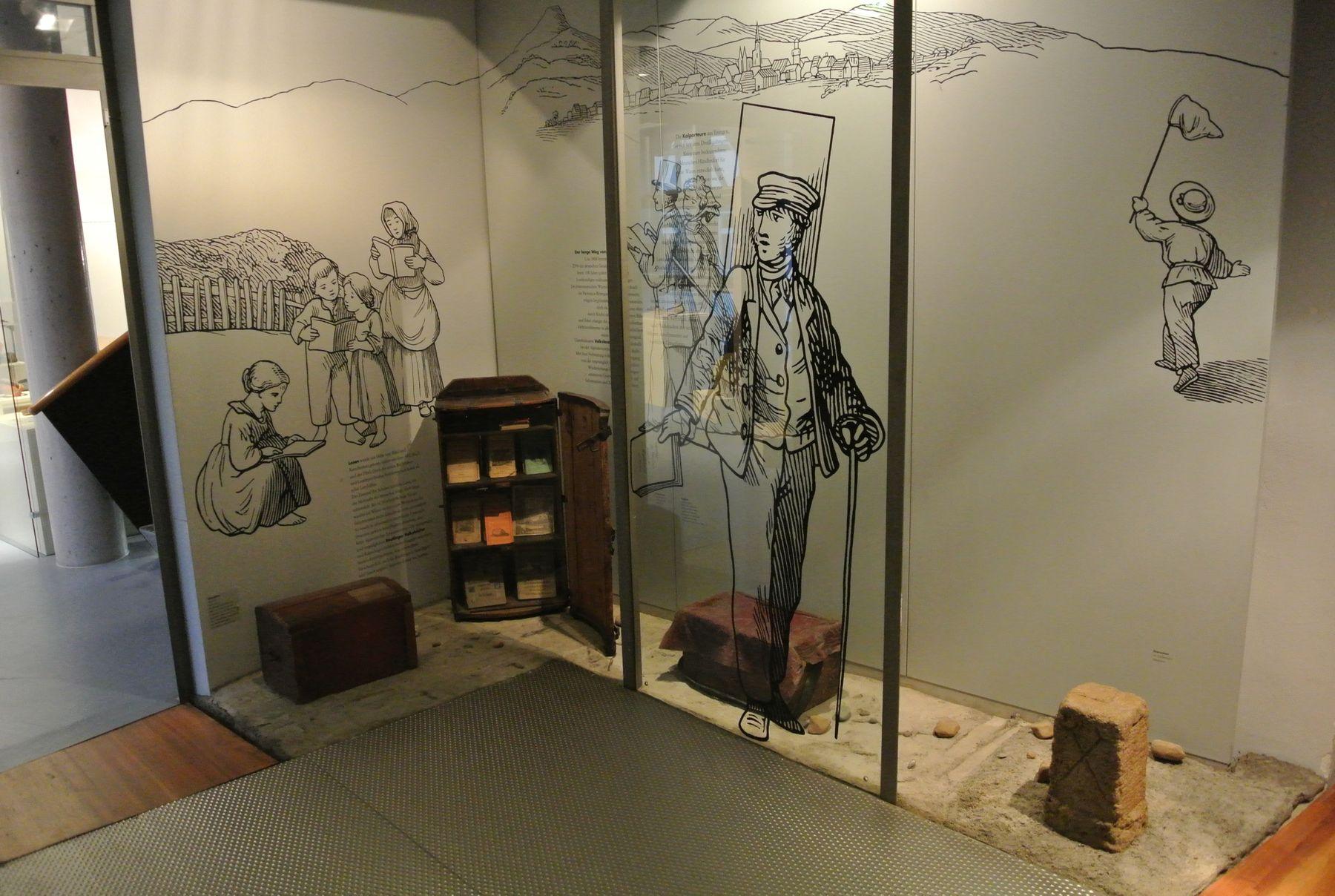 Heimatmuseum Reutlingen, Bücherkiste in der literarischen Abteilung, Fotograf: Andreas Keller