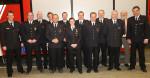 Das Bild zeigt den Stellvertretenden Kommandanten der Feuerwehr Reutlingen Adrian Röhrle zusammen mit Abteilungskommandant Peter Lauer, seinem Stellvertreter Mark-Oliver Ott und Bezirksbürgermeister Fritz Beck und den beförderten und geehrten Mitgliedern.
