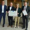 """Scheckübergabe für das Innovationszentrum Reutlingen 4.0 """"InnoPORT"""". Von links: Peter Wilke, OB Thomas Keck, Wirtschaftsministerin Dr. Nicole Hoffmeister-Kraut und Markus Flammer"""