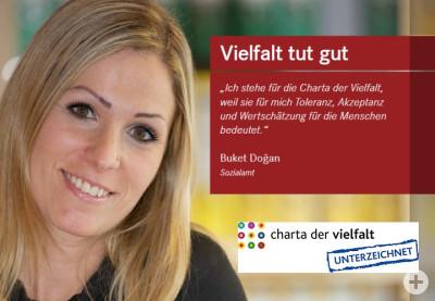 Buket Dogan, Mitarbeiterin des Sozialamts, erklärt, dass die Charta der Vielfalt für sie unter anderem Toleranz bedeutet.