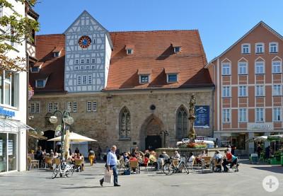 Marktplatz mit Spitalhof im Hintergrund