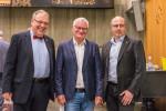 Auf dem Bild von links: Oberbürgermeister Thomas Keck, Wolfgang Löffler und Personalratsvorsitzender Joachim Edenhuizen