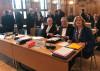 Oberbürgermeister Thomas Keck (mitte) zusamen mit Erste Bürgermeisterin Ulrike Hotz und Rechtsanwalt Klaus Peter Dolde im Gerichtssaal