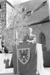 Oskar Kalbfell bei der Mai-Ansprache 1945 - Foto: Stadtarchiv (Foto-Näher)