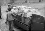 Lebensmittelanlieferung für die Schülerspeisung, 1949, Foto Dohm, Stadtarchiv Reutlingen