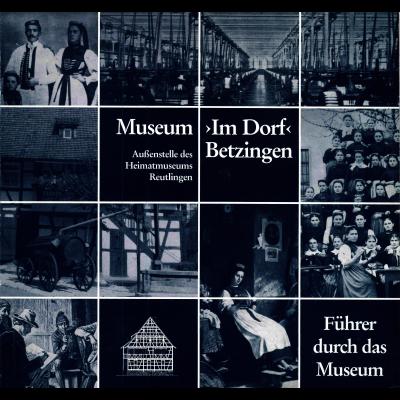 Das Katalogcover zeigt ein in Blautönen gehaltenes Bild, das aus 16 durch Gitterlinien getrennten alten Fotos besteht. Einige davon zeigen Menschen, z. B. einen Frauenchor oder ein Paar in Tracht, andere eine Fabrik oder ein Gebäude.