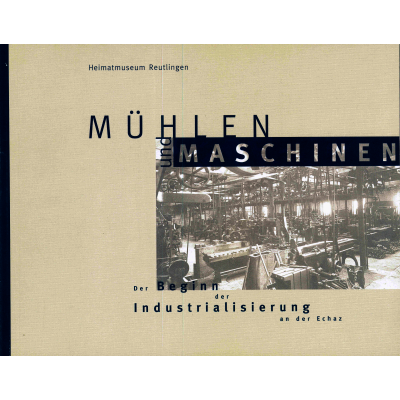 Das Katalogcover zeigt eine in Brauntönen gehaltene Fotografie einer Fabrikhalle mit verschiedenen Maschinen.