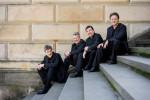 Konzerthaus Berlin 2014-2015 Photo: Marco Borggreve Das Foto zeigt die vier Musiker auf einer Treppe sitzend