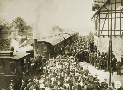 Eröffnung der Eisenbahnlinie nach Gönningen im Jahr 1902