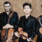 Das Foto zeigt das Quatuor Arod mit Ihren Instrumenten