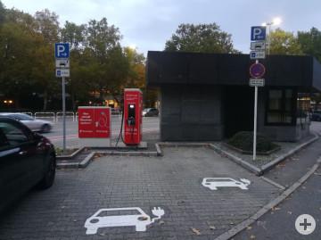 Ladesaeule_Oskar_Kalbfell_Platz