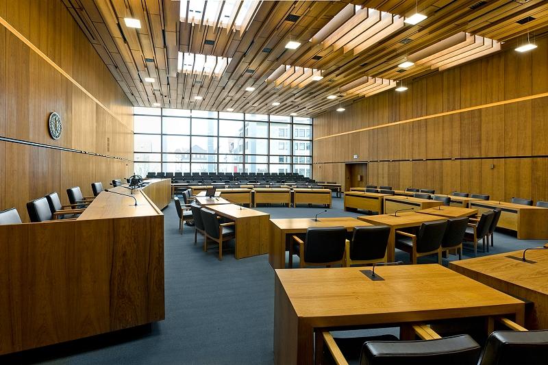 Blick in den großen Sitzungssaal