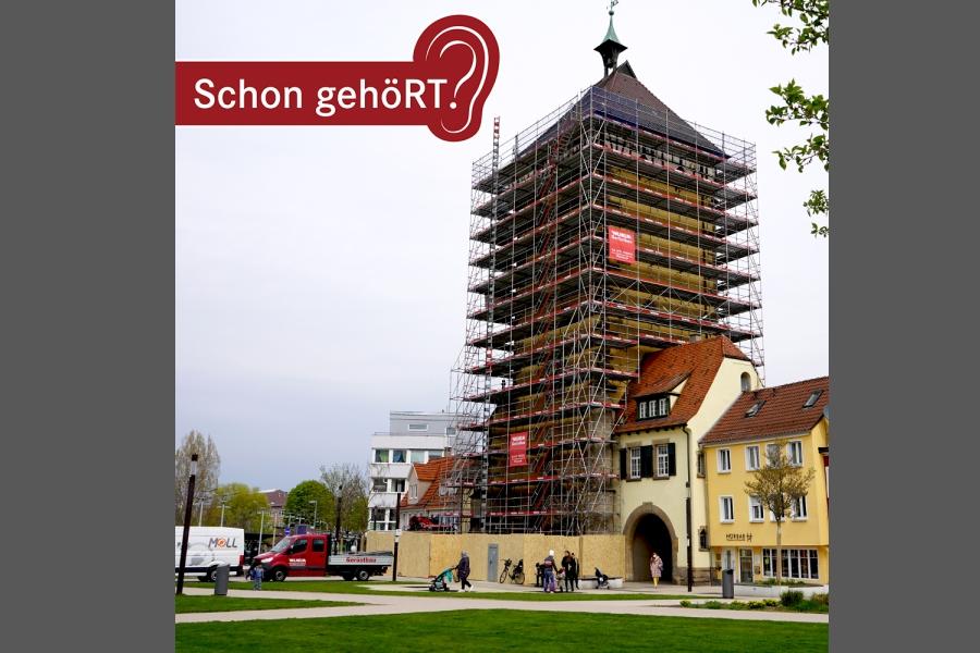Das Tübinger Tor eingerüstet für Sanierungsarbeiten