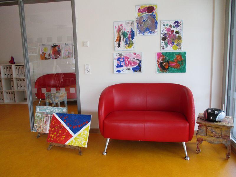 Städtisches Kinderhaus Aachener Straße - Lounge mit Atelierbereich