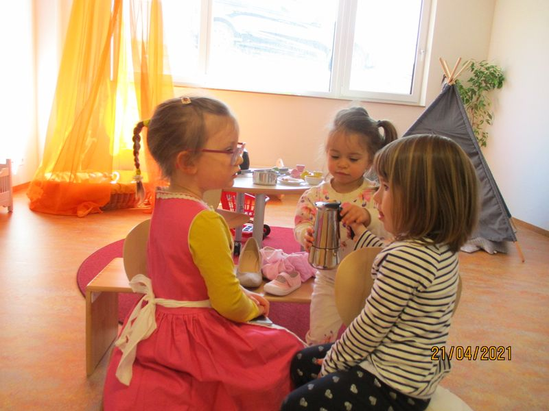 Städtisches Kinderhaus Alice-Haarburger-Straße - Kinder im Rollenspiel