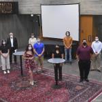 Mehrere Studierende von der amerikanischen Valparaiso University werden von Bürgermeister Robert Hahn im Rathaus begrüßt.