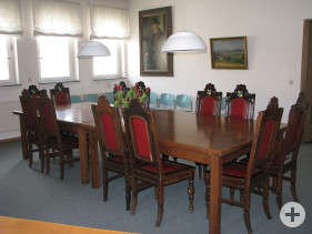 Blick in das Trauzimmer (Sitzungssaal) des Bezirksamts Gönningen