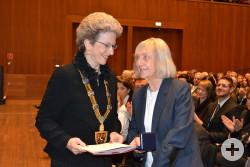 Oberbürgermeisterin Barbara Bosch und Dr. Brigitte Bausinger