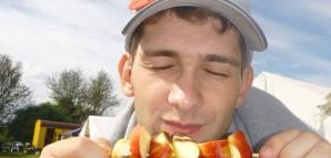 leckere Apfelspieße - auch für die engagierten Mitarbeiter