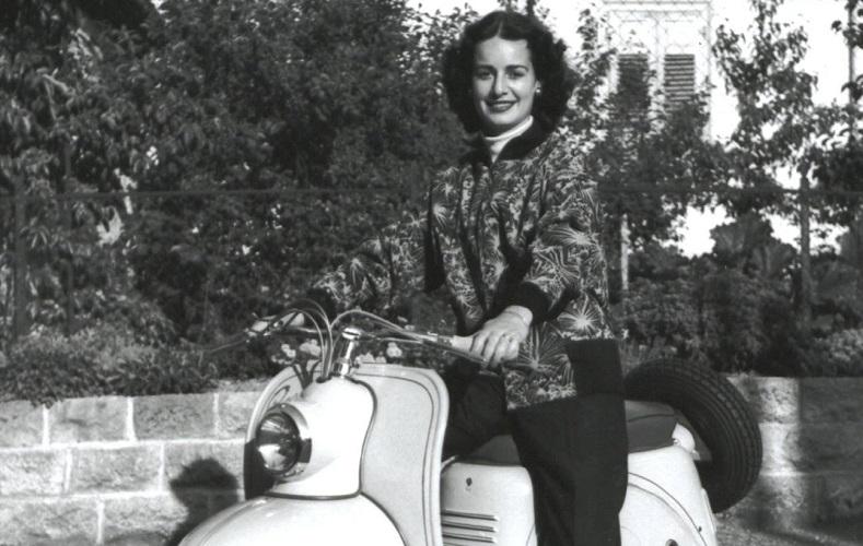 Miss Württemberg auf Roller