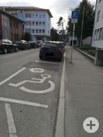 1 Behindertenparkplatz in der Sankt-Wolfgang-Straße